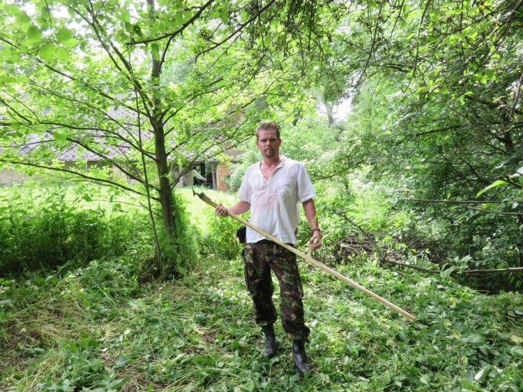 Mowing with a scythe, Slovakia